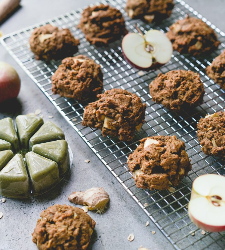 Molasses Cookies with Apples and Evive's Pure Smoothie