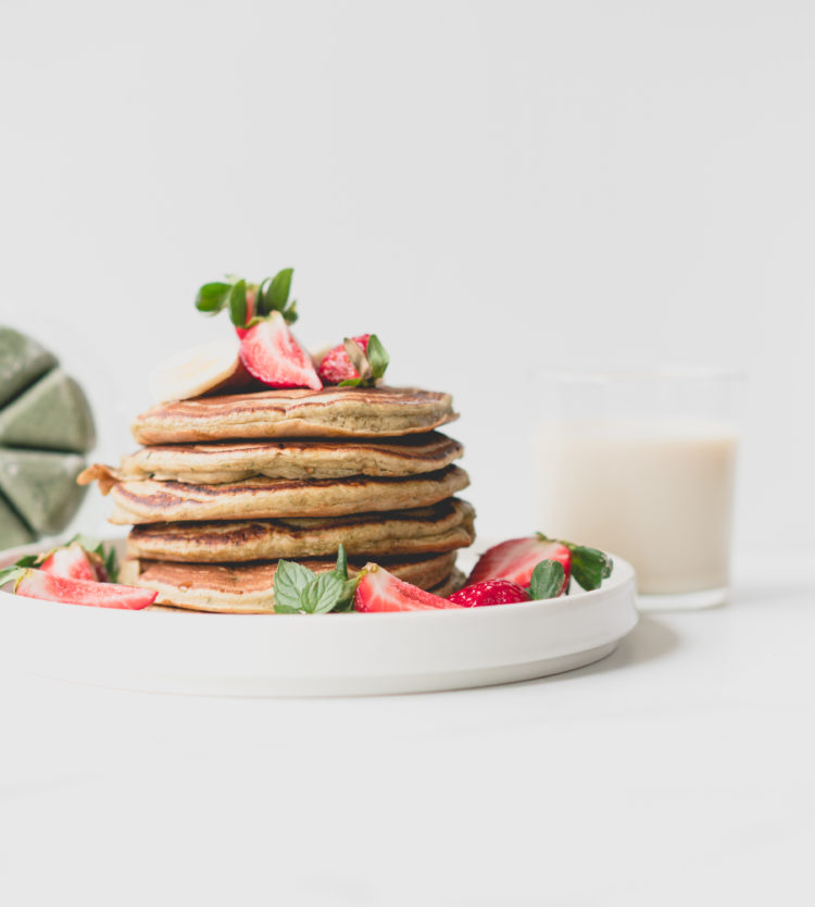 Evive Yogi Smoothie Pancakes with Veggemo Milk